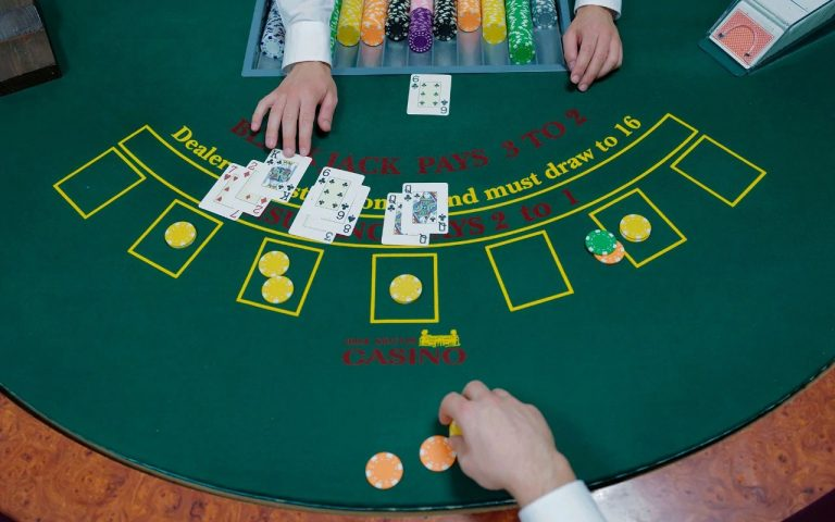 Play Blackjack Online – 9 A Couple of Strategies for fulfillment