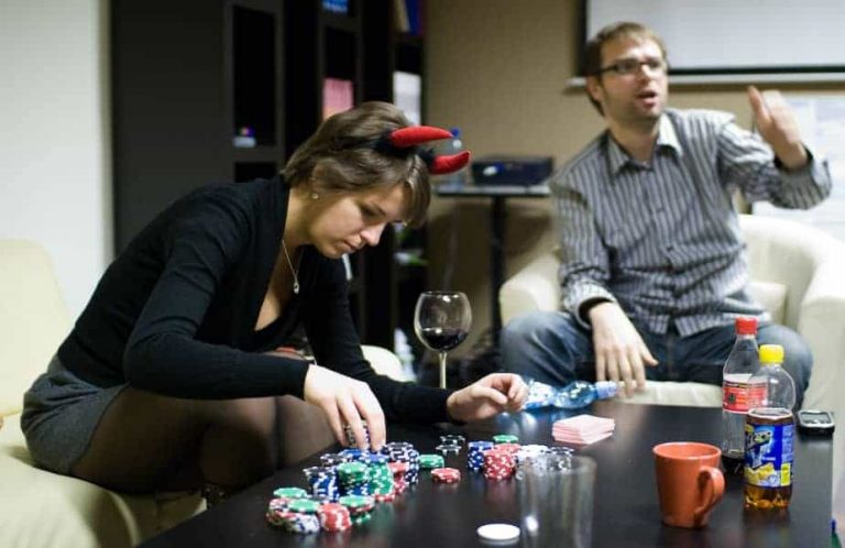 Rules To Follow While Playing Poker