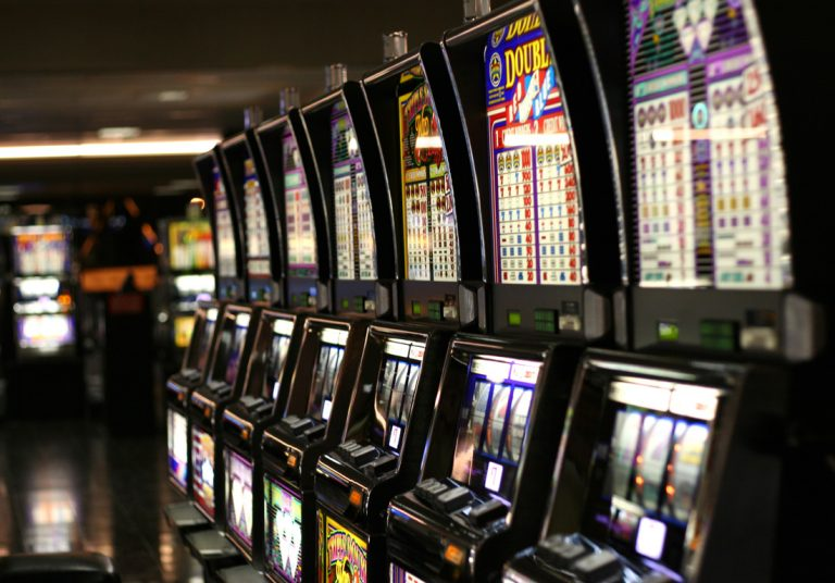 Here Are The Benefits Of Playing Slot Game Online